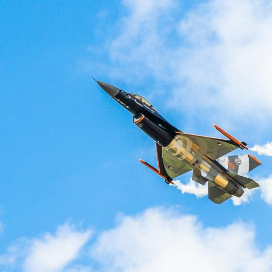 F-16 airshow demo